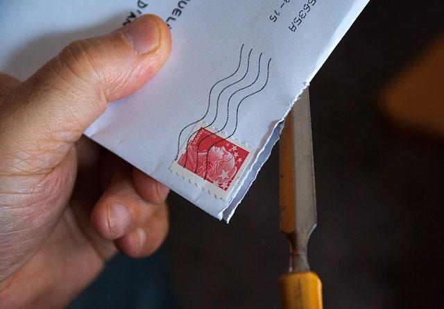 un envoi de courrier