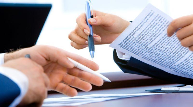 La signature d'un contrat type bail commercial