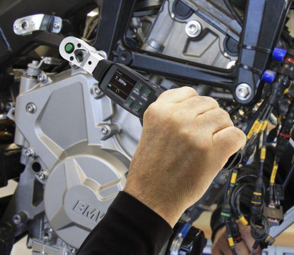 clé dynamométrique auto