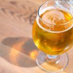 A table, les Belges préfèrent la bière au vin