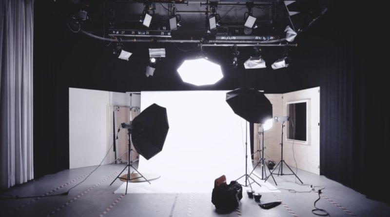 Studio photo avec fond blanc