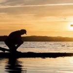 Pendentif croix homme : gagné en confiance grâce à la croix de Jésus