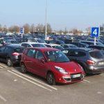 Séjour à Nantes : l'importance de réserver une place de parking en ligne
