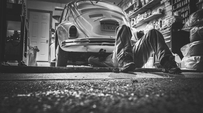 réparer sa voiture tout seul