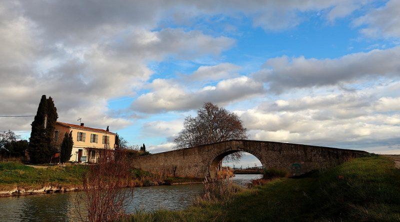 Le canal du midi dans le Sud de la France