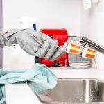 La femme de ménage: une alliée à avoir absolument pour garder son intérieur propre