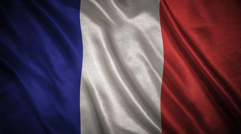 Drapeau France qui flotte